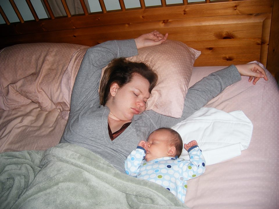 Как класть ребенка спать