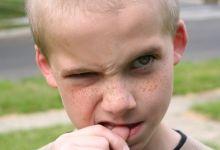 как отучится грызть ногти