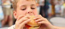 Какие блюда «взрослого» стола особенно вредны для ребенка?