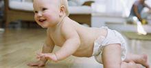 Как научить малыша ползать