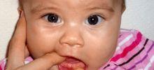 Симптомы прорезывания зубов у младенцев