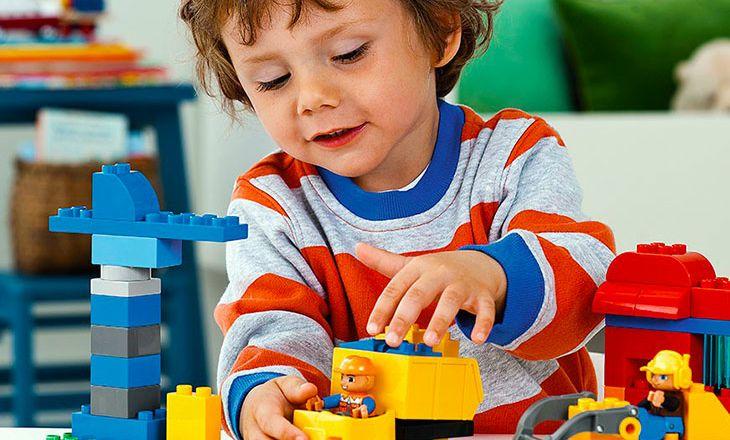 Как конструктор LEGO влияет на детское развитие?