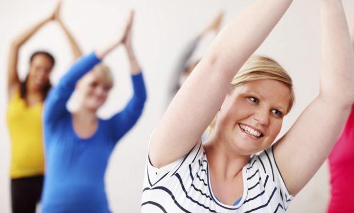 Почему не рекомендуется поднимать руки вверх в период беременности?