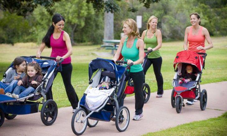 Колеса для детской коляски: важно ли количество?